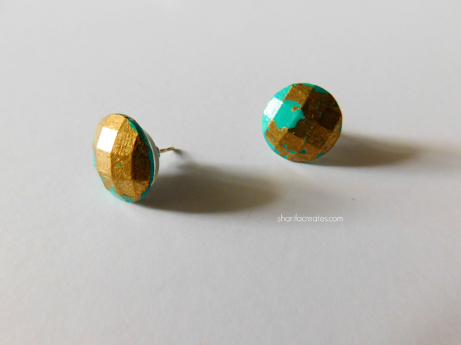 green gold stud earrings