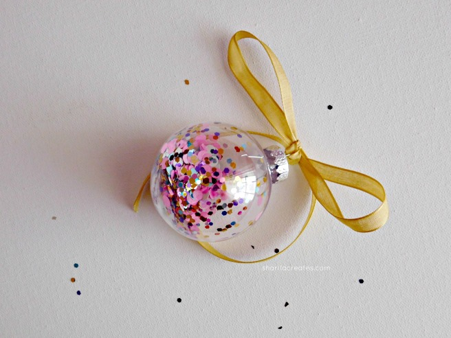 bauble bow 1