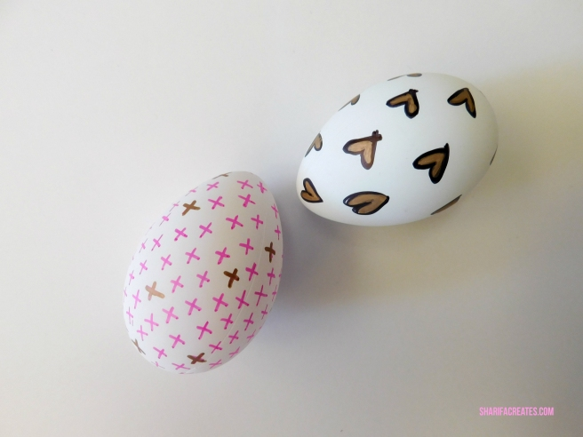 decorate easter eggs with permanent marker